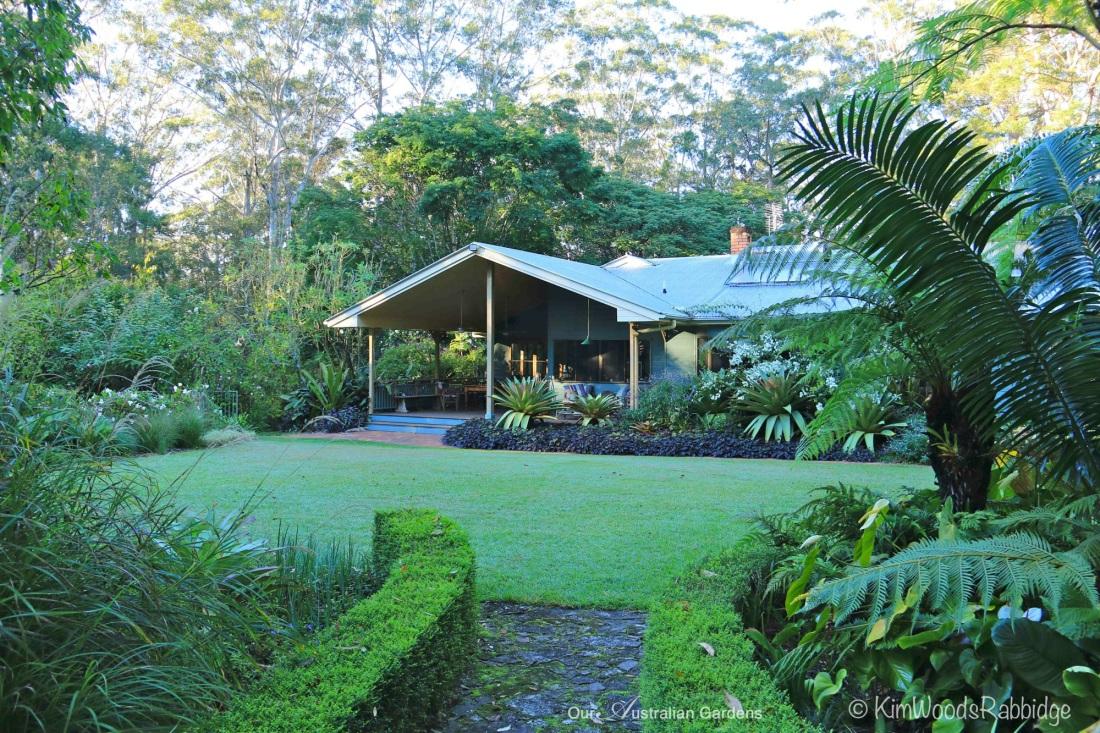 55 Stringybark©KimWoodsRabbidge-Our-Australian-Gardens