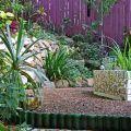 Mosaic steps, pond ©Kim WoodsRabbidge