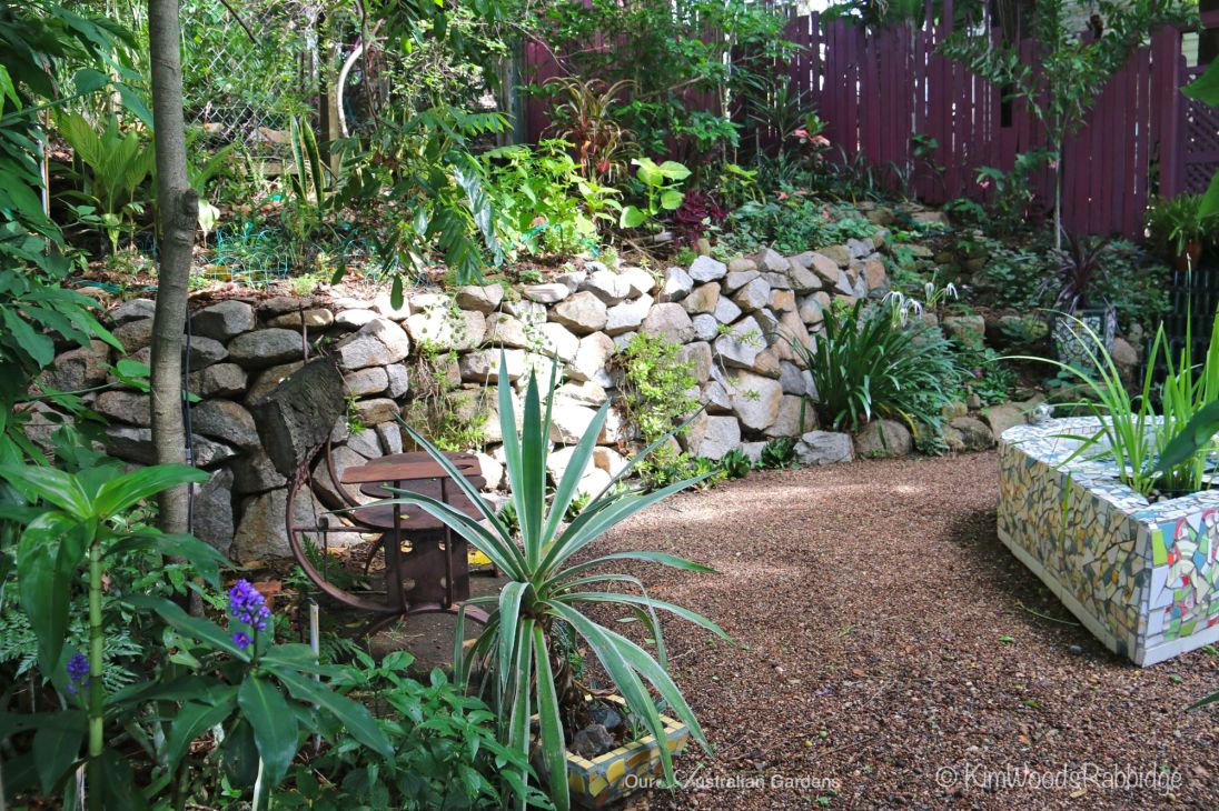 Stone wall and mosaic pond©Kim Woods Rabbidge